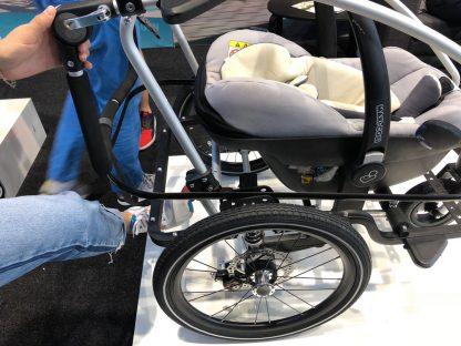 Fotelik samochodowy w przyczepce rowerowej