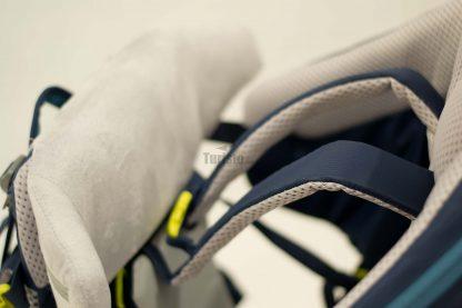 Rozbudowana poduszeczka umożliwia spanie w nosidle