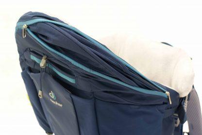 Zintegrowana osłona przeciwsłoneczna w nosidle Deuter Kid Comfort PRO